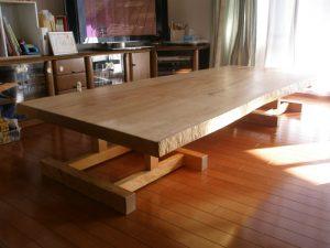 栃一枚板の座卓