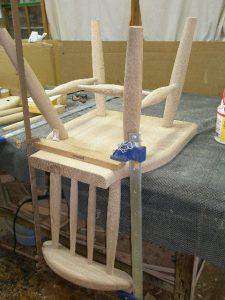 アンティークモダン家具のダイニングチェアー