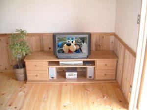 特注のTVボード