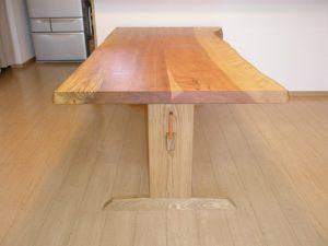 ミズメ2枚接ぎのダイニングテーブル