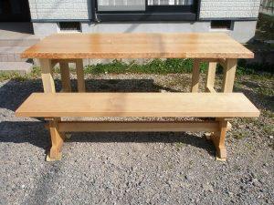 山桜のダイニングテーブルとベンチ
