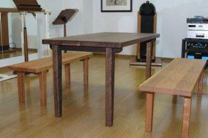 無垢テーブルとベンチ