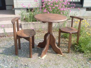 丸テーブルBとティーチェアーB