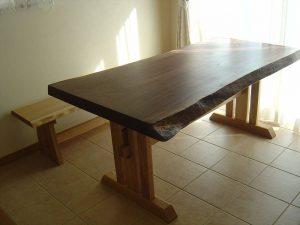 ブラックウォールナット一枚板のテーブル