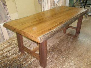 チーク一枚板のダイニングテーブル