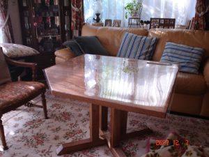 正方形のテーブル