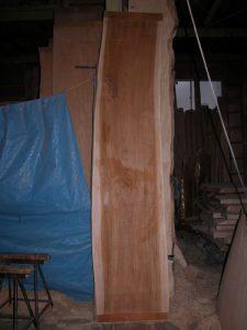 欅(ケヤキ)の一枚板