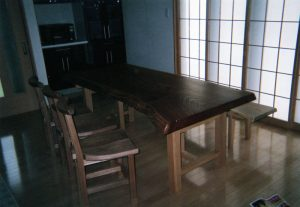 ケヤキ一枚板ダイニングテーブルと椅子