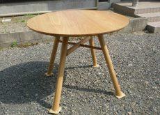 無垢 丸テーブル 八ノ字型4本脚