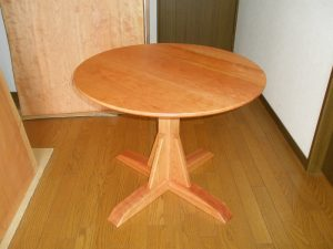 丸テーブル1本脚タイプ