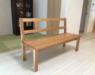 背付きベンチ